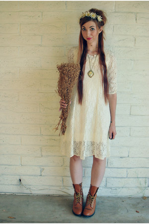 white lace All that Jazz Kids dress - bronze roper Cowtown boots