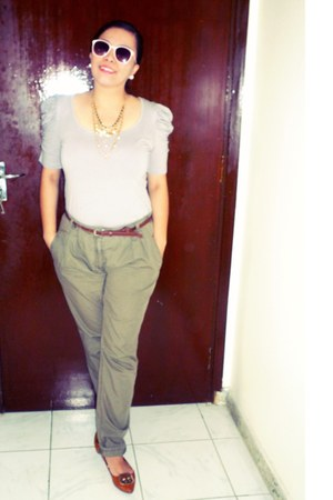 heather gray top - dark khaki pants - brown belt - tawny flats