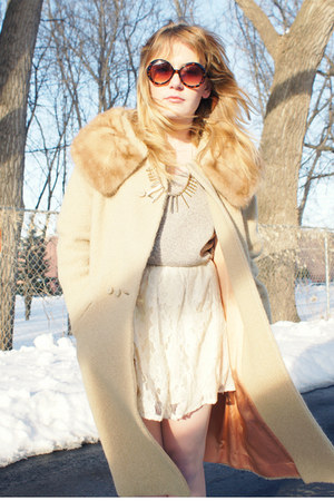 tan fur collar vintage coat - light purple Forever 21 sweater - ivory lace Forev