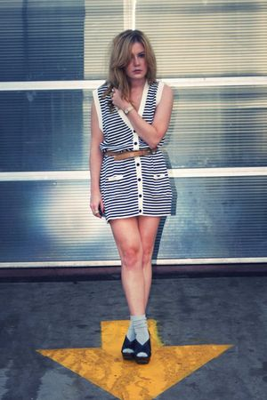 Urban Outfitters dress - Jessica Simpson shoes - Geisha Pearl vintage belt