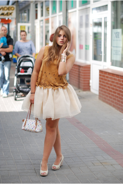 cream tulle skirt Sheinside skirt - light orange suede top second hand top