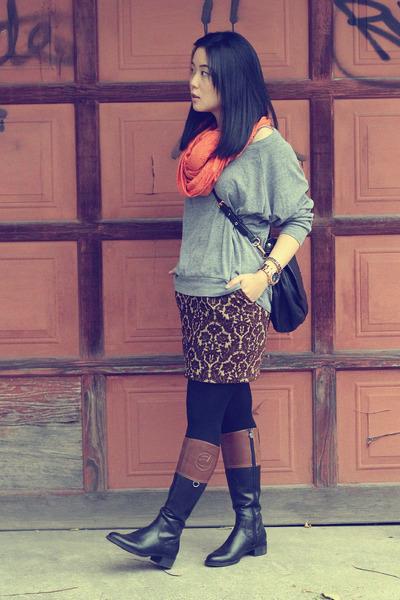 carrot orange scarf - black etienne aigner boots