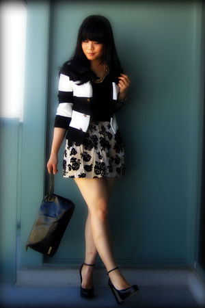 black striped H&M blazer - black platforms Aldo shoes - black paylessess bag