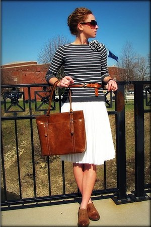 Kristina J skirt - oxfords crown vintage shoes - Nine &Co bag