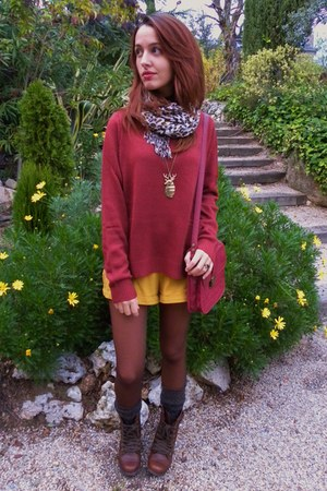 mustard pull&bear shorts - dark brown Primark boots - brick red H&M sweater