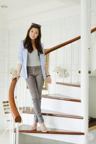 heather gray Guess jeans