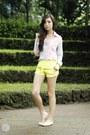 Chartreuse-romwe-shorts-light-pink-covetz-top-eggshell-zara-flats