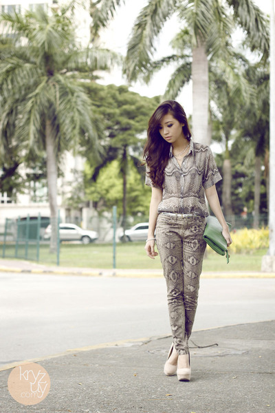 heather gray SM GTW pants - green ALT Manila bag - silver sm acc bracelet