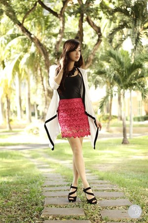 hot pink clothes for the goddess skirt - black Sugarfree heels