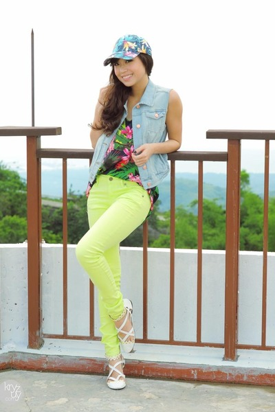 sky blue Mango vest - lime green Mango pants - navy Mango top
