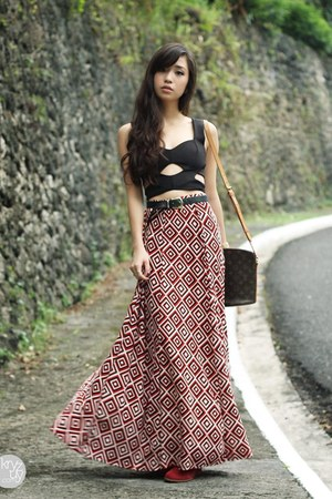ruby red Runway Dreams skirt - ruby red giftsahoy boots