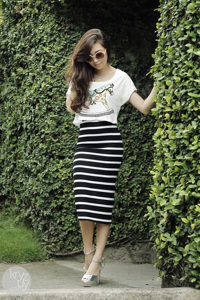 black windsor skirt - white WAGW top - silver asian fashion heels