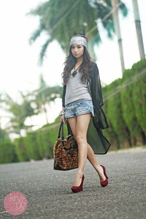 magenta ffaq heels - silver Flatterbuy hat - dark brown romwe bag