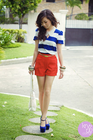 navy ffaq heels - white aigner bag - red Trunkshow shorts