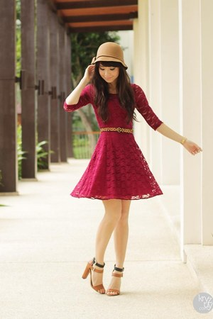 camel sm acc hat - red Sheinside dress - carrot orange WAGW belt
