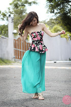 black Runway Dreams top - aquamarine Cole Vintage pants