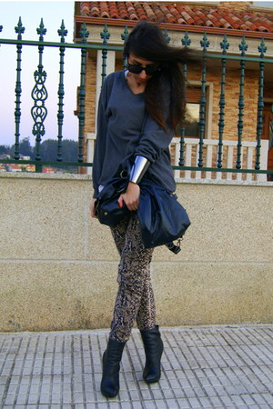 black asos boots - charcoal gray H&M sweater - tawny Zara pants