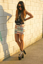 bubble gum AX Paris skirt - black UNIF shoes