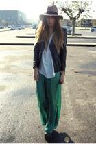 green palazoo Zara pants - camel fedora asos hat