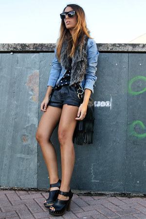 black Zara clogs - navy polka dot Zara shirt - black Zara shorts
