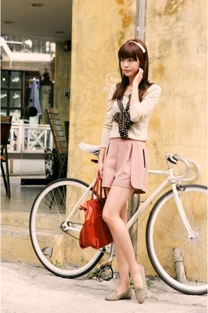 tie sweater - pink skirt