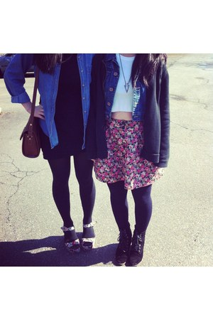 floral skirt - denim jacket jacket - t-shirt - black cardi cardigan