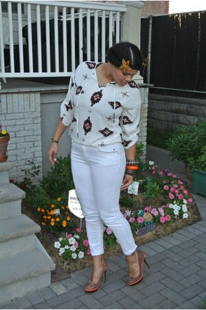white skinny Mandee jeans - brown cork JustFab shoes