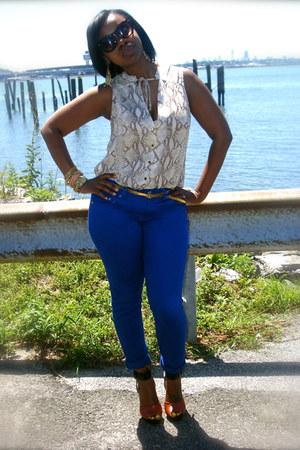 black Zara heels - tawny Zara heels - blue random brand jeans - beige H&M blouse
