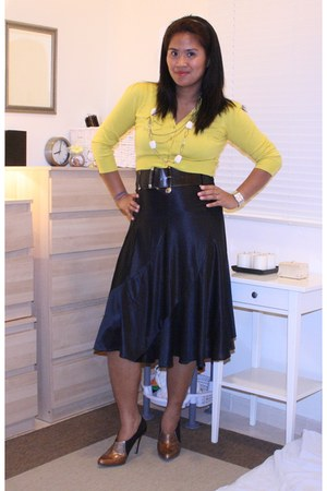 brown Jessica Simpson shoes - black Dorothy Perkins belt - yellow Splash cardiga