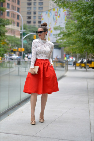 white lace crop-top H&M top - black Prada sunglasses - nude Steve Madden pumps