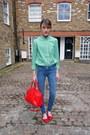 Hudson-jeans-gap-shirt-jaeger-bag-monica-vinader-bracelet