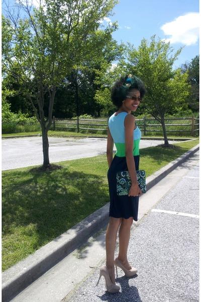 Light-blue-isaac-mizrahi-dress-chartreuse-dress-navy-dress_400