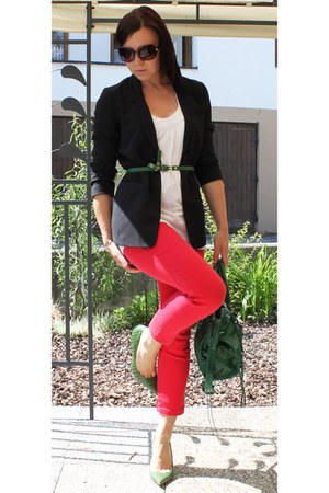 red vintage jeans - black H&M blazer - green noname bag - green vintage heels -