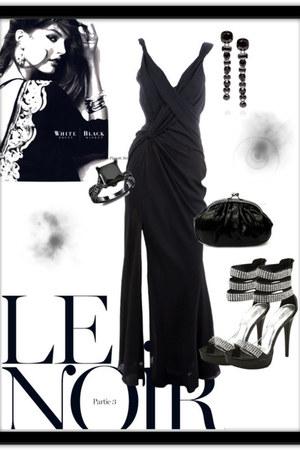 black bag - black sandals