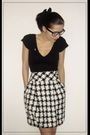 Black-shirt-zara-skirt