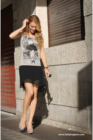 Zara skirt - Jennifer t-shirt