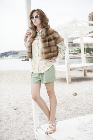 eggshell Moschino shirt - camel Carlo Ramello coat - lime green Moschino shorts