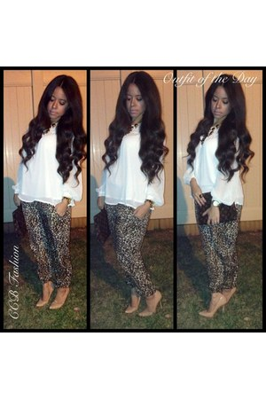 leopard joggers Topshop pants - Dillards blouse - neutral Steve Madden pumps