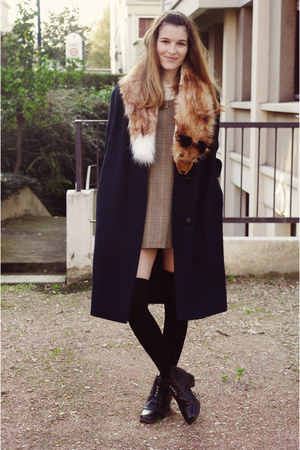 hm scarf - vintage shoes - vintage dress - vintage coat