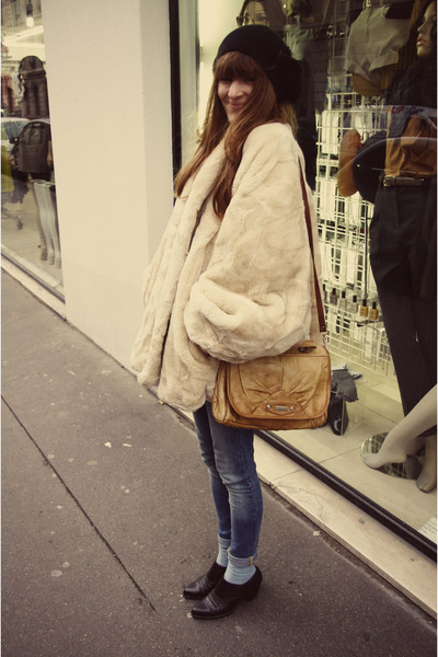 vintage bag - vintage boots - thrifted coat - Zara jeans