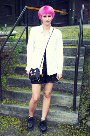 black modcloth bag - black random shorts - white Carrie blouse