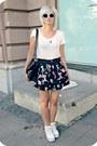 Black-vintage-bag-white-glitter-sunglasses-cream-only-t-shirt