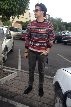 ruby red H&M sweater - gray pull&bear jeans - black Vans sunglasses