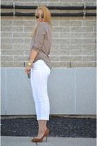 white Forever21 pants - camel blouse - bronze heels
