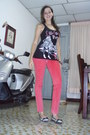 Hot-pink-jeggins-eva-castillo-jeans-dark-gray-con-estampado-zenana-blouse