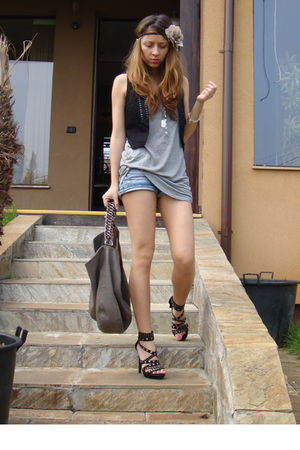 black Zara vest - gray Bershka top - blue random brand shorts - gray Zara purse