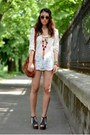Dark-brown-mango-bag-blue-kenvelo-shorts-brown-h-m-sunglasses