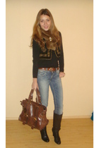 black vintage vest - blue pull&bear jeans - brown vintage belt - black Bata boot