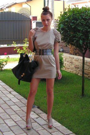 beige custom made dress - beige italian shoes - black MeliMelo belt - black rand
