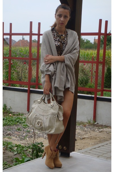 gray Zara cardigan - brown Zara shirt - white custom made shorts - beige Guess b